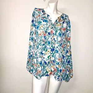 Violet and Clair pretty floral flowy tie top #38F